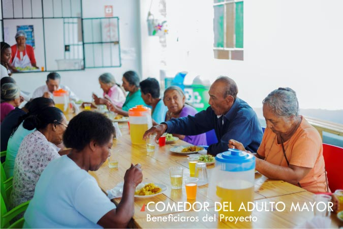 beneficiarios-comedor-adulto-mayor-alto-laran